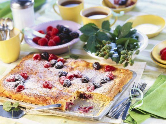 Raspberry Bluebery Cream Cake