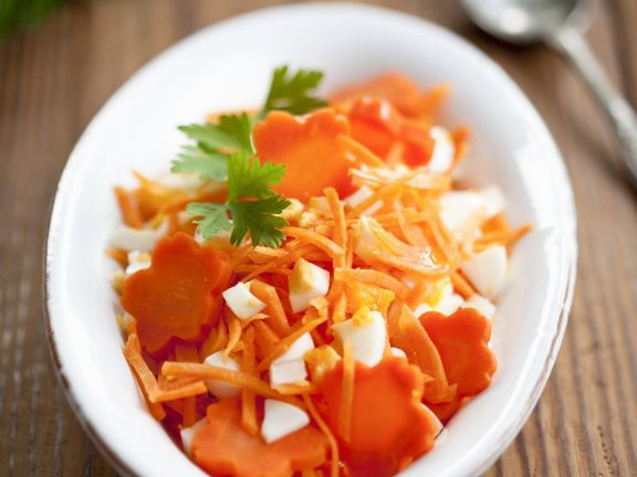 Raw Carrot Salad with Hard-boiled Eggs
