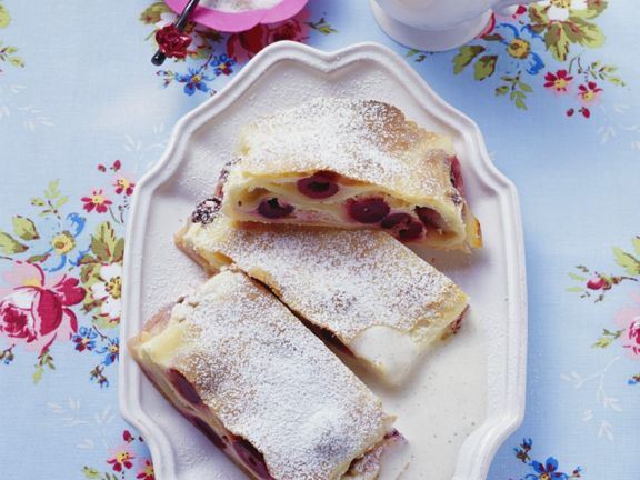 Red Fruit Pastry Log