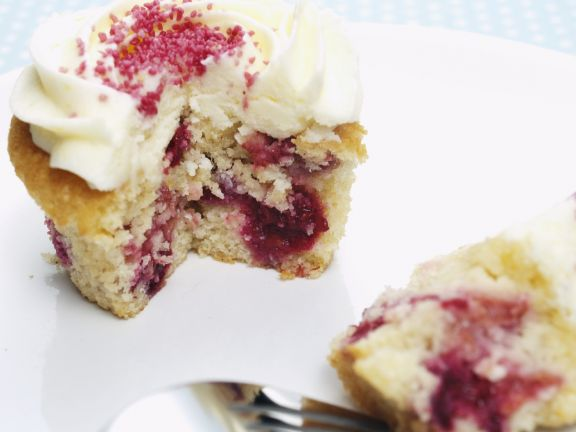 Redcurrant and Raspberry Muffins