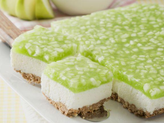 Refrigerator Yogurt Cake With Apple Topping