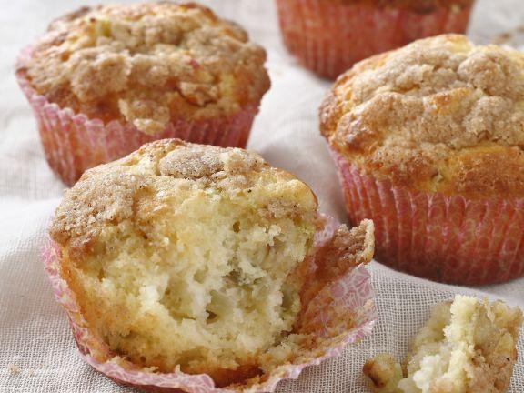 Rhubarb Crunch Cupcakes