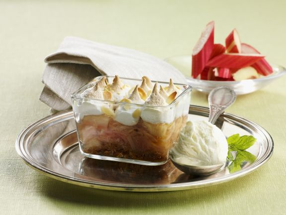 Baked Fruit Pudding with Meringue Topping