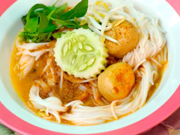 Rice Noodles with Fish Balls