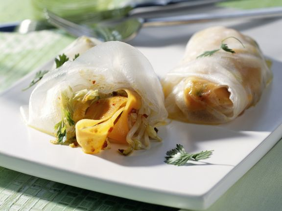 Rice Paper Rolls with Ginger and Vegetables