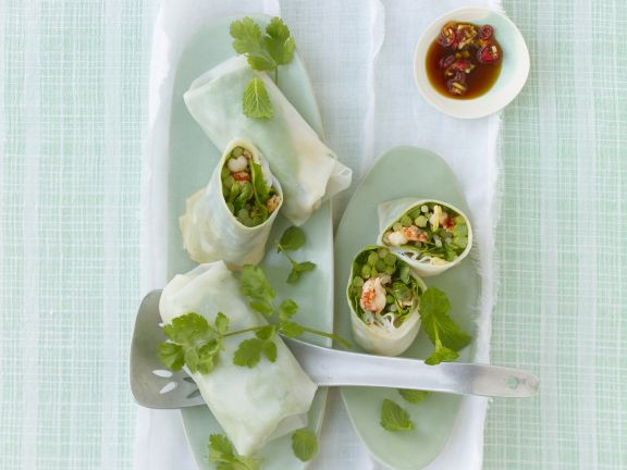 Rice Paper Rolls with Thai Asparagus