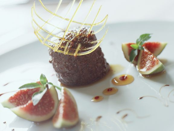 Rich Chocolate Cakes with Figs