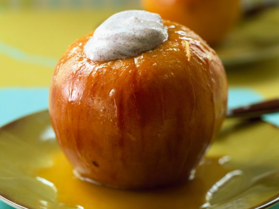 Roasted Apples with Cinnamon-Flavored Quark