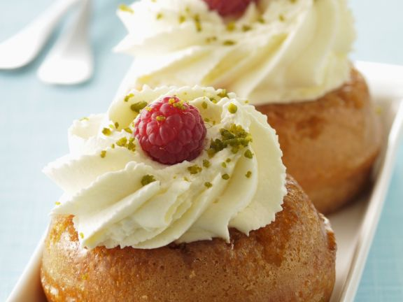 Rum Syrup Cakes with Raspberries