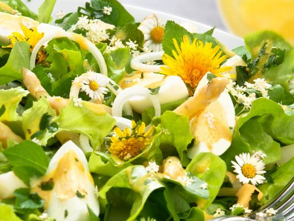 Salad with Asparagus, Eggs and Edible Flowers