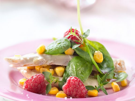 Salad with Baby Spinach, Chicken, Corn and Raspberries