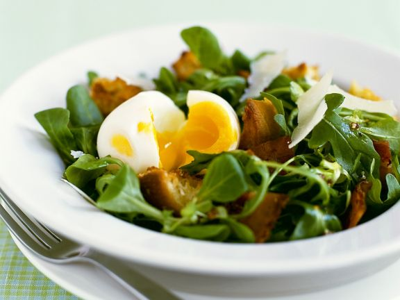 Salad with Bacon, Egg and Parmesan