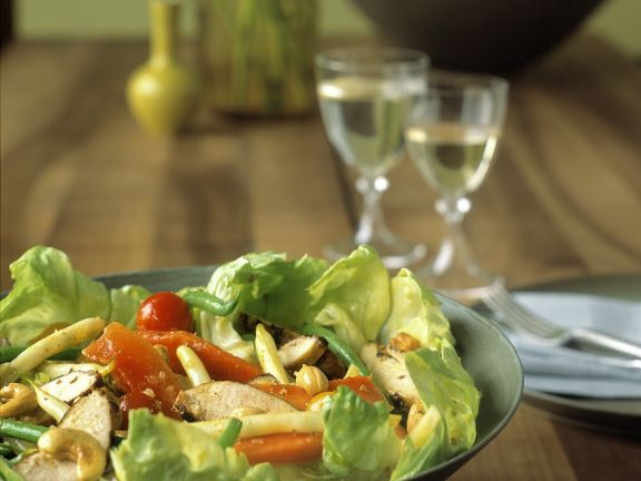 Salad with Chicken and Vegetables