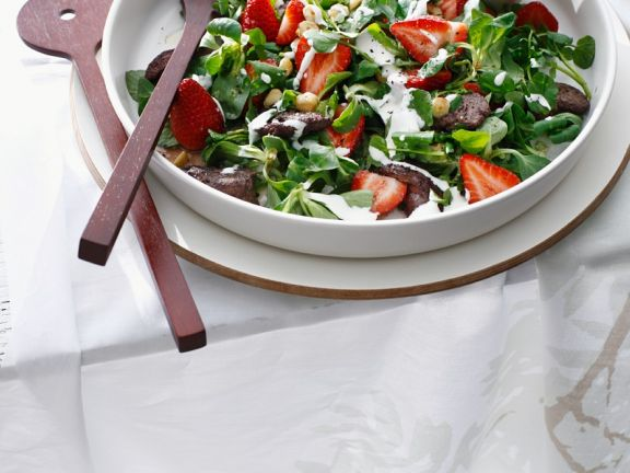 Salad with Chicken Livers and Strawberries
