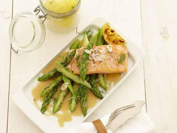 Salmon and Asparagus with Honey-Lemon Sauce