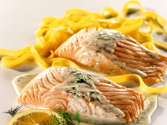 Salmon with Pasta and Lemon Sauce