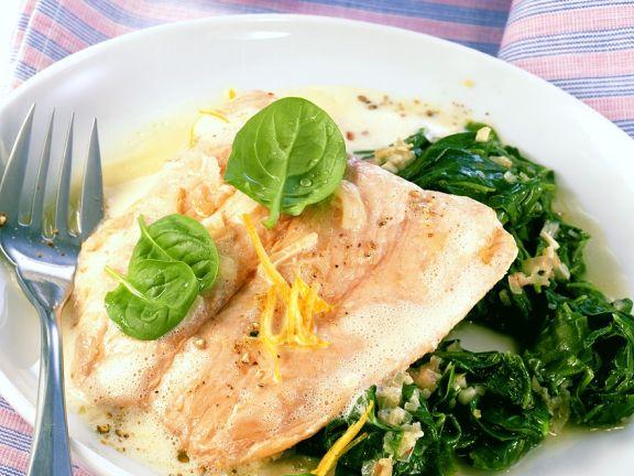 Salmon with Yogurt Sauce and Spinach