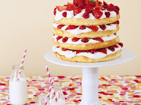 Sandwich Cake Stack with Berries