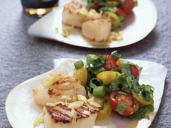 Sautéed Scallops with Tomato Salad