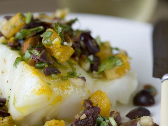 Sea Bass Filets with Olive and Orange Salad