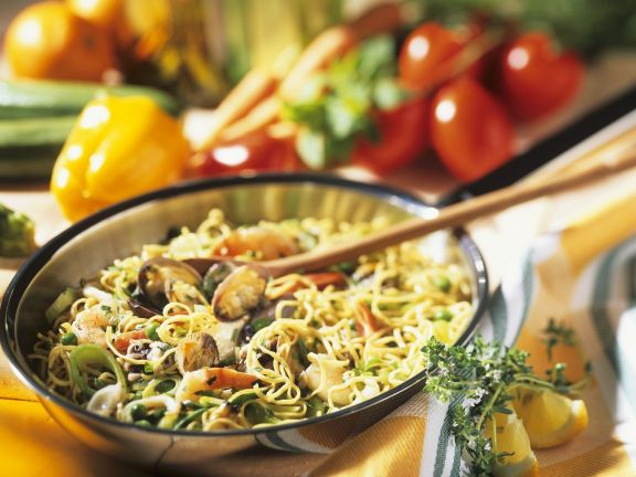 Seafood with Egg Noodles
