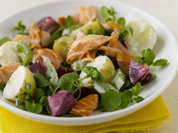 Flaked Fish Salad with Beets