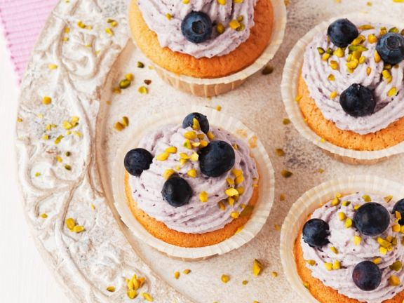 Soft Cheese and Berry Cakes