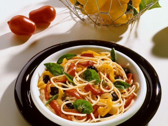 Spaghetti with Bell Pepper Sauce