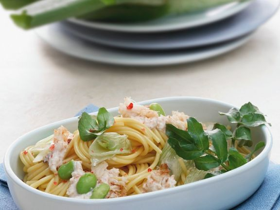 Spaghetti with Broad Beans, Leek and Crabmeat