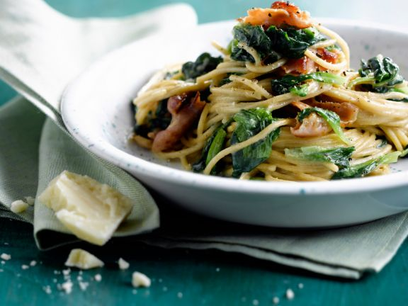 Spaghetti with Spinach and Bacon