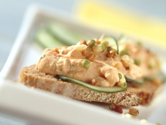 Spelt Bread with Spicy Cream Cheese and Cucumber