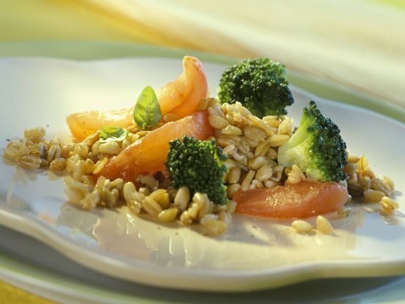 Spelt with Broccoli and Tomatoes