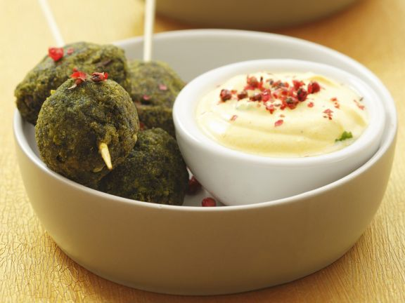 Spinach Balls with Yogurt Dip