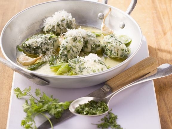 Spinach Dumplings with Garlic and Chervil Sauce