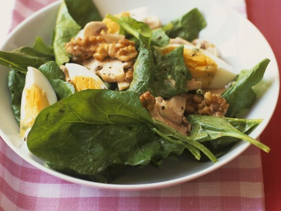 Spinach Salad with Mushrooms, Egg and Walnuts