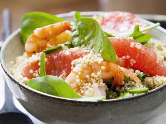 Spinach Salad with Quinoa, Shrimp, and Grapefruit