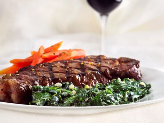Steak with Spinach and Carrots