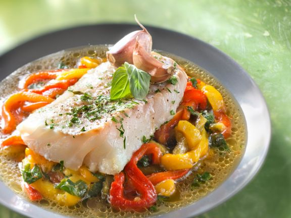 Steamed Cod Fillets with Bell Peppers and Garlic