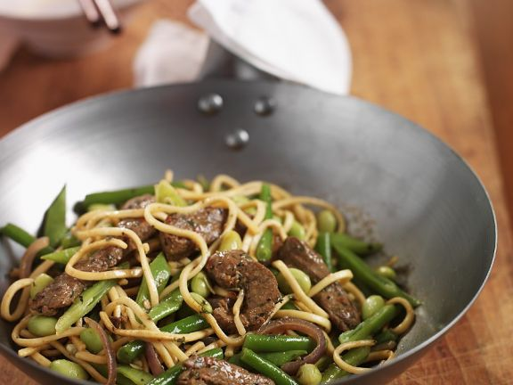 Stir-Fried Beef with Noodles and Vegetables