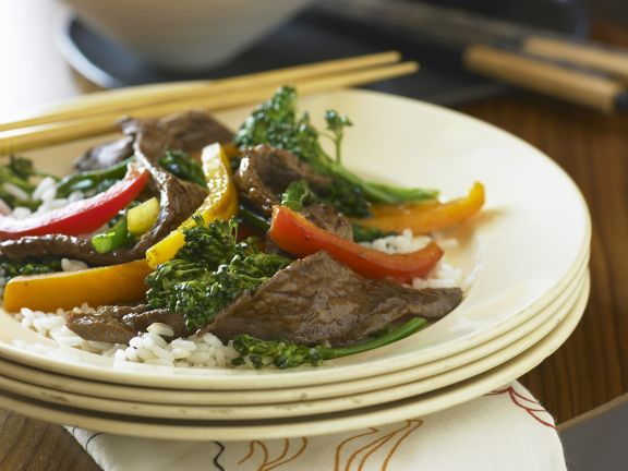 Stir-Fried Beef with Broccoli and Peppers