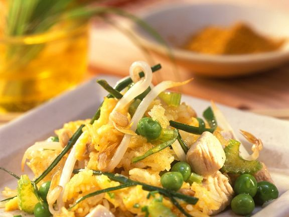 Stir-Fried Rice with Vegetables and Chicken