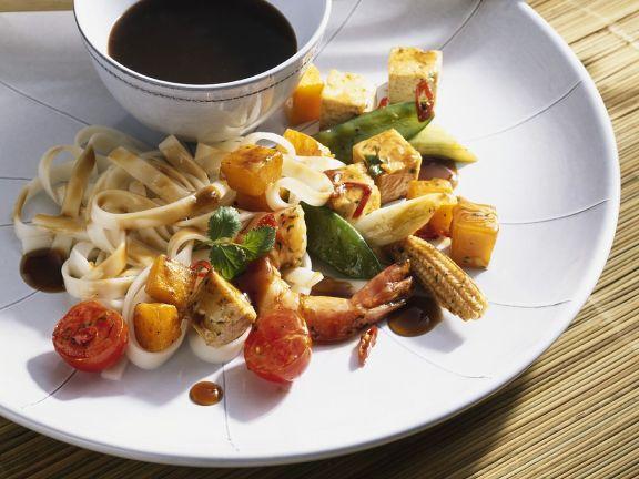 Stir-Fried Vegetables with Prawns and Noodles