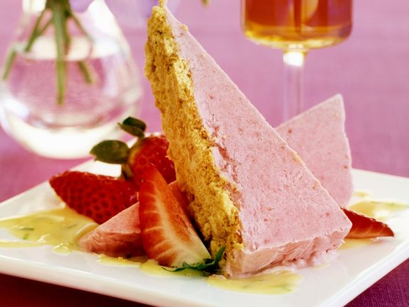 Strawberry Ice Cream with Crispy Crust