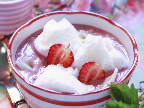 Strawberry Soup with Egg White Balls