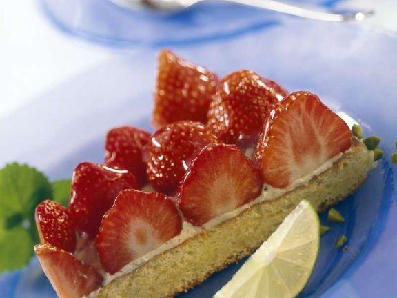 Strawberry Sponge Cake with Lime Cream