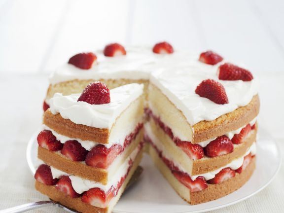 Strawberry Sponge Gateau