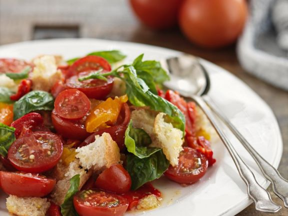 Summery Bread and Tomato Salad