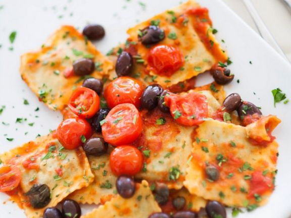 Sun-dried Tomato and Ricotta Ravioli with Fresh Tomato Sauce