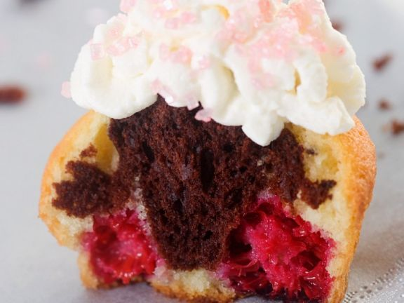 Swirly Berry Cakes with Topping