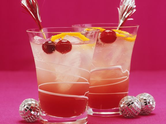 Tall Cranberry-Orange Christmas Cocktails